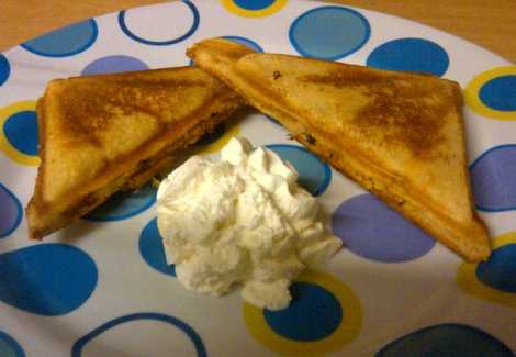 Finished apple pie toastie with cream
