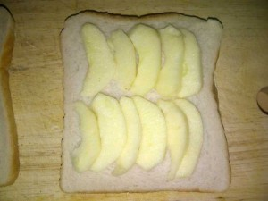 Applie slices on bread