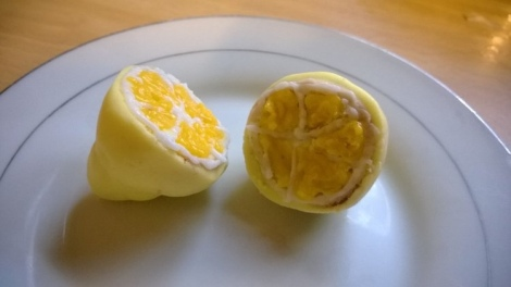 Pop cake made into a lemon