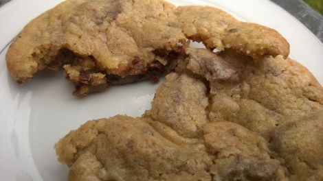 Chocolate almond cookie