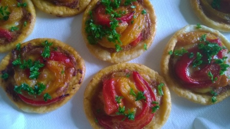 Roasted pepper tartlets