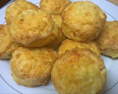 Chilli cheese scones
