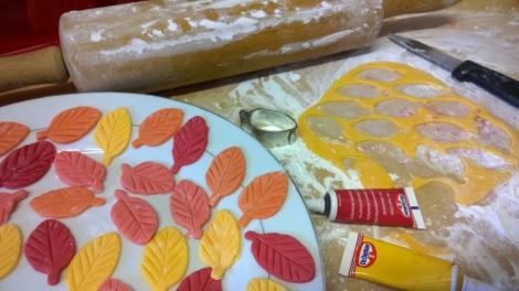 Making cake leaves