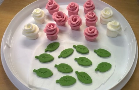 Fondant roses and leaves