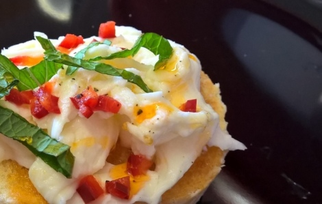 Chilli and Mozzarella Crostini